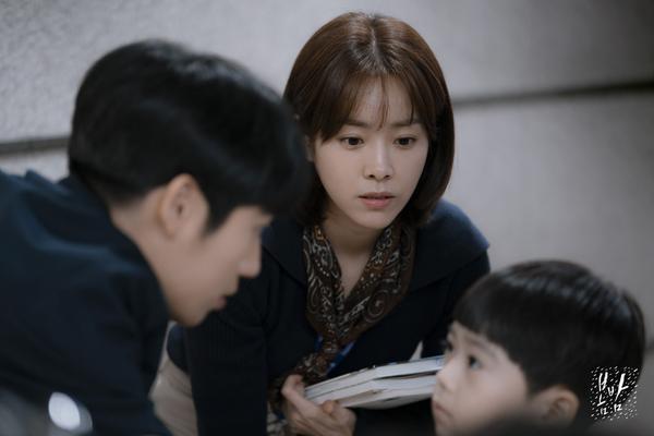 Đêm xuân tập 1-2: Khoảnh khắc đẹp như tranh về mối tình chớm nở của Han Ji Min và Jung Hae In ảnh 32