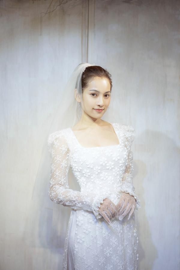 Vợ sắp cưới của Dương Khắc Linh thử áo dài Bảo Bảo khoe trọn vẻ gợi cảm cho ngày trọng đại ảnh 2