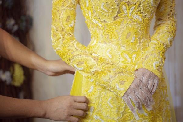 Vợ sắp cưới của Dương Khắc Linh thử áo dài Bảo Bảo khoe trọn vẻ gợi cảm cho ngày trọng đại ảnh 5