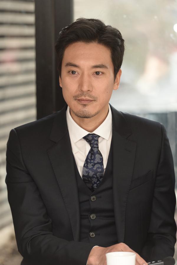 Chị gái G-Dragon và tài tử Hwarang Kim Min Joon xác nhận hẹn hò ảnh 5