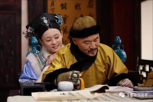 Trần Kiến Bân và Tôn Lệ trong Chân Hoàn truyện.
