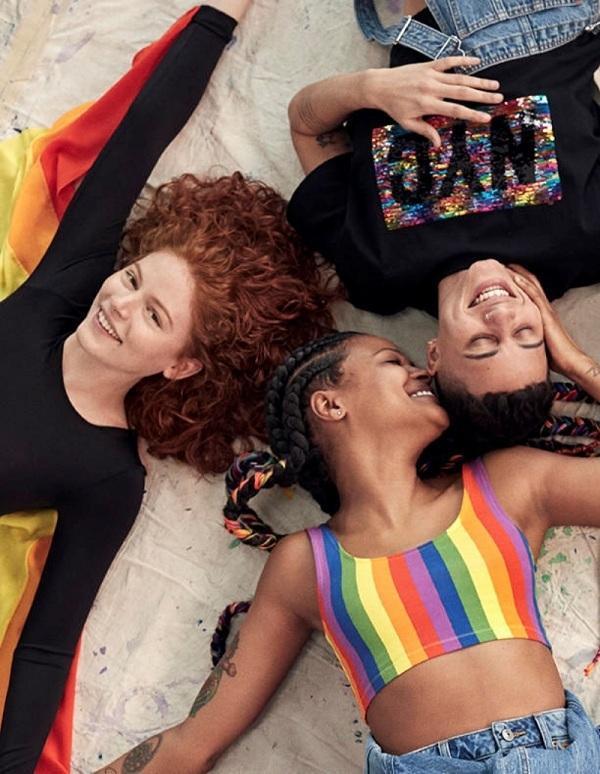 Hình ảnh quảng bá cho BST đặc biệt của H&M dành cho cộng đồng LGBTQ+, đa dạng trong nhiều thiết kế phù hợp với giới trẻ