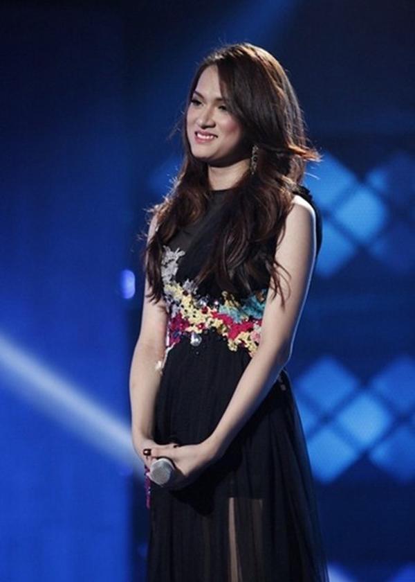 Hương Giang tại cuộc thi âm nhạc vào năm 2012