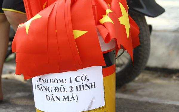 Cờ hoa tràn ngập đường phố Phú Thọ trước trận U23 Việt Nam gặp U23 Myanmar ảnh 1