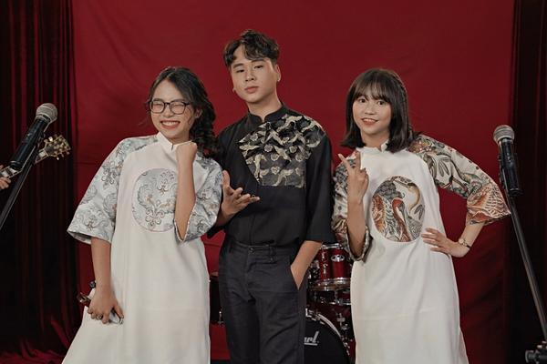 Cặp đôi cùng cô bạn Phương Duyên vừa cho ra mắt sản phẩm âm nhạc mang tên Liên khúc 3 miền để đánh dấu mốc thời gian 6 năm tình bạn.