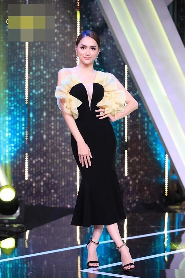 Hoa hậu Hương Giang cãi lời nhà thiết kế, tự biến tấu váy áo và đây là cái kết ảnh 2