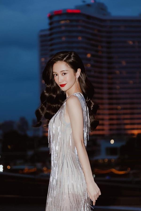 Jun Vũ cũng từng yêu thích chiếc váy và quyết chọn diện khi tham dự một sự kiện gần đây.