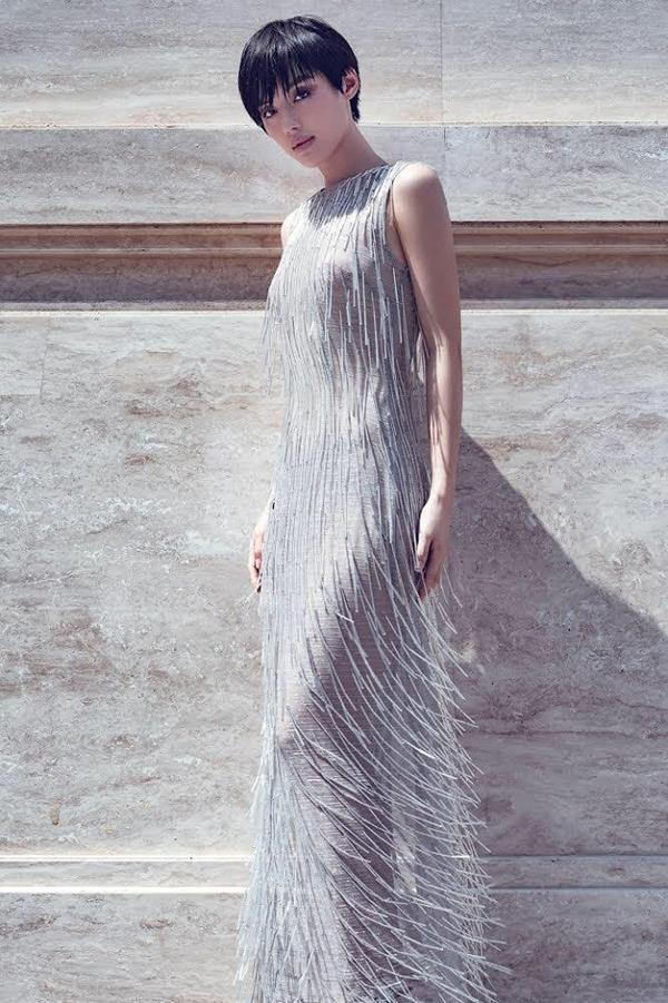 Là một trong những tín đồ thời trang thứ thiệt, Khánh Linh The Face hẳn nhiên không thể bỏ qua thiết kế tuyệt mỹ này.