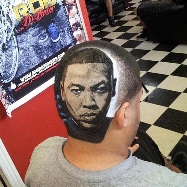 Thần tượng của khách hàng này là rapper Dr Dre.