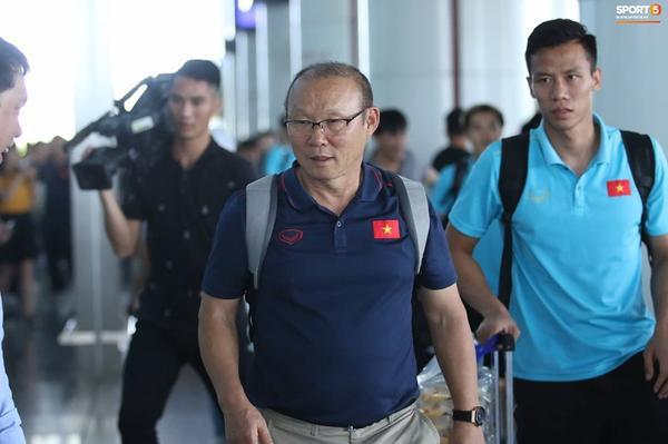 Sáng 09/06, các cầu thủ ĐT Việt Nam lên đường về nước sau khi kết thúc hành trình tại King's Cup 2019.