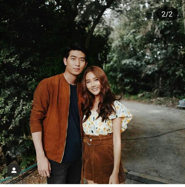 Một cặp đôi nữa cũng hạnh phúc không kém chính là anh cận vệ Bak và cô gái xinh đẹp Waen