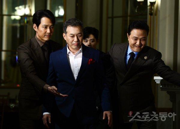 Shin Min Ah đọ sắc Lee Elijah, cùng loạt sao hạng A dự họp báo phim Advisor ảnh 14