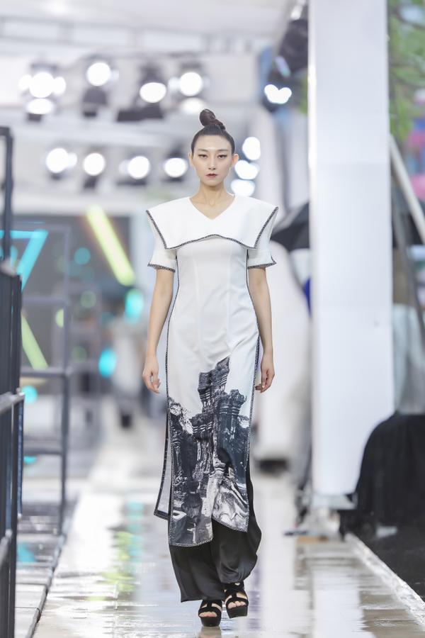 Hồng Quế mặc áo dài cách tân của NTK Hà Duy, catwalk nổi bật giữa dàn model Trung Quốc ảnh 5