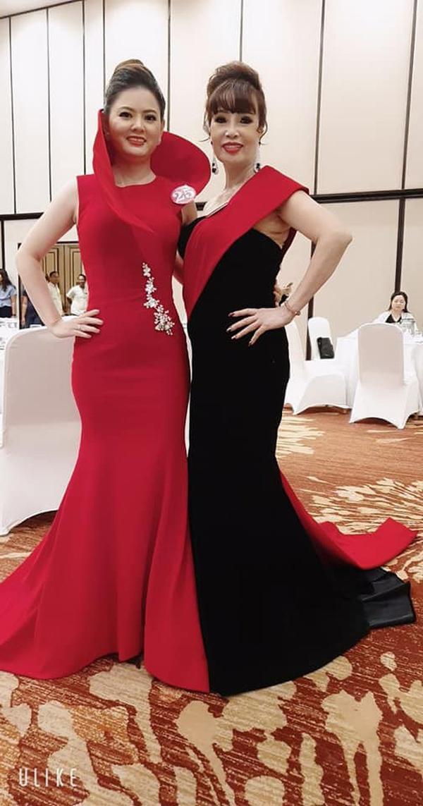 Sau cú lừa mang bầu ngoạn mục, cô dâu 62 tiếp tục gây sốc khi khoe ảnh đi thi Hoa hậu ở Indonesia ảnh 1
