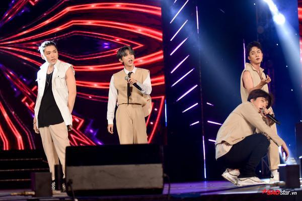 Loạt ca khúc như Sai, Kẻ cắp trái tim… được Uni5 mang lên sân khấu.