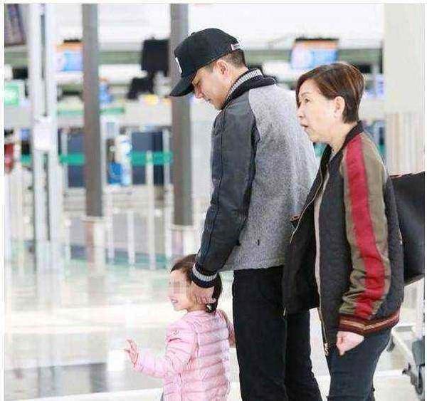 Nhân ngày của cha, Dương Mịch mượn Tiểu Gạo Nếp để tặng quà cho cha chồng cũ, bày tỏ lòng biết ơn khi đã nuôi dạy, trông nom con gái mình? ảnh 7