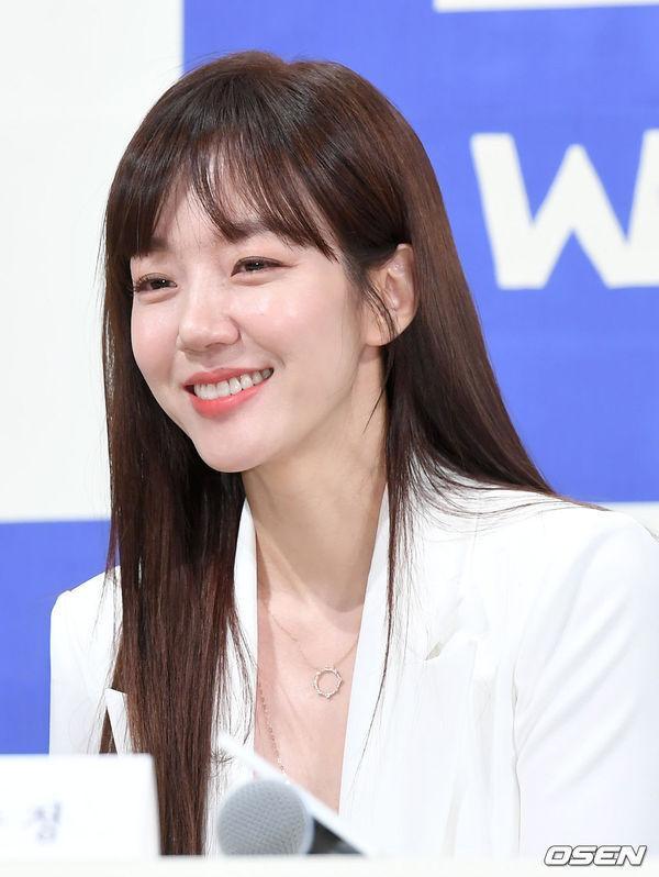 Rộ tin yêu đương, chuyện gì xảy ra khi Im Soo Jung và Lee Dong Wook xác nhận hẹn hò? ảnh 3