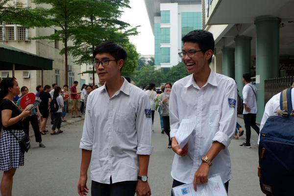 Cũng giống như nhiều thí sinh ở các điểm thi khác, thí sinh tại Nguyễn Tất Thành cũng hoàn thành tốt đề thi môn Toán.