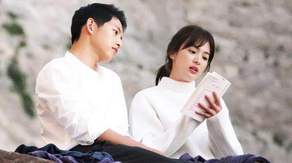 Song Joong Ki ngoại tình với bạn diễn Kim Ok Bin, cố gắng hòa giải với Song Hye Kyo nhưng bất thành? ảnh 0