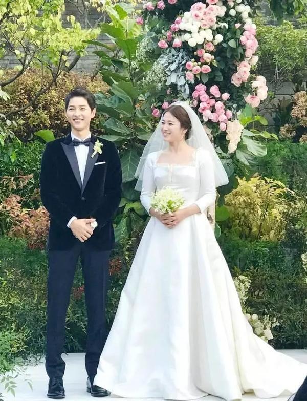 Song Joong Ki ngoại tình với bạn diễn Kim Ok Bin, cố gắng hòa giải với Song Hye Kyo nhưng bất thành? ảnh 4