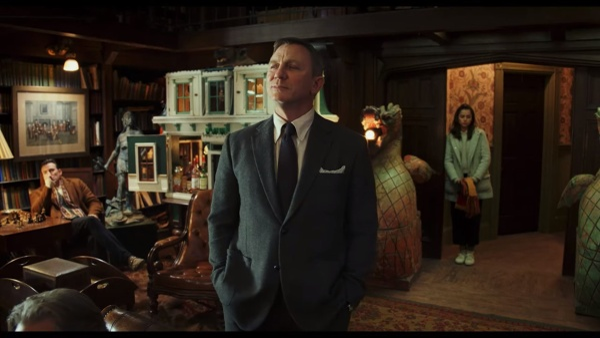 Trailer Knives Out: Daniel Craig, Chris Evans và nữ chính 13 Reasons Why vướng vào vụ giết người bí ẩn ảnh 11