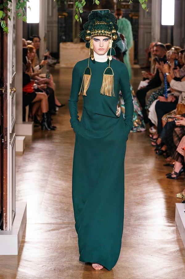 """NTK kiêm Gám đốc sáng tạo Pierpaolo Piccioli cũng chia sẻ rằng : """" """"Cách duy nhất giúp thời trang Haute Couture tồn tại với thời gian là nâng niu những bản sắc và văn hóa khác nhau của từng con người phụ nữ, hiểu họ muốn gì, thích gì và đề cao tính nữ quyền""""."""