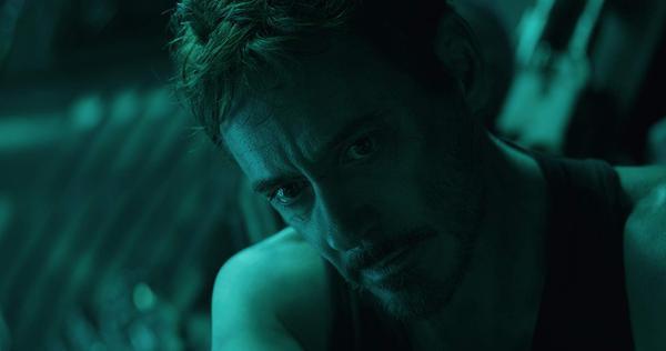 Hai bộ phim tạo nên thế cộng sinh hoàn hảo khiAvengers: Endgamexây dựng câu chuyện cảm động giữa Spider Man và Iron Man, cònSpider-Man: Far from Homelấy bối cảnh ngay sau những sự kiện trongEndgame,tri ân sâu sắc siêu anh hùng Người Sắt thông qua hành trình của Peter Parker.
