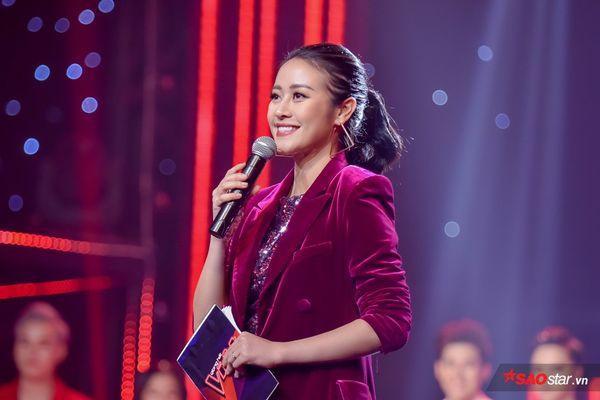 Phí Linh là người dẫn chương trình quen thuộc tại chương trình The Voice 2019.