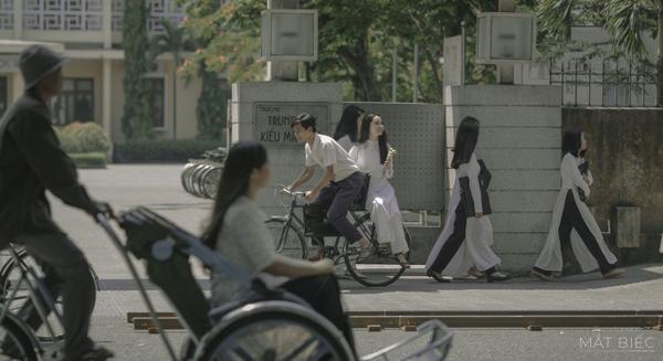 Phim Mắt biếc tung teaser poster khiến fan tức giận vì cứ nhá hàng nhỏ giọt ảnh 4