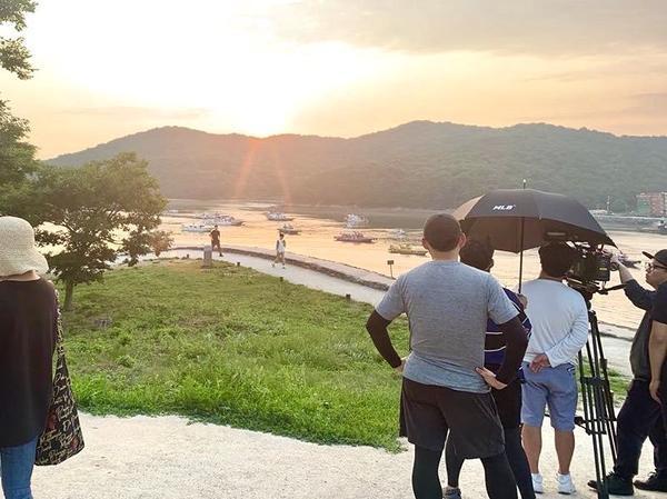 Yoo Yeon Seok cân nhắc tham gia phim y khoa mới  'When Camellia Blooms' của Gong Hyo Jin  Kang Ha Neul lộ ảnh phim trường ảnh 4