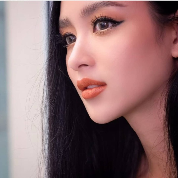 Những bóng hồng Thái Lan lần lượt rời khỏi channel 7, fan tự hỏi: Phải chăng nhà đài đang bận lăng xê diễn viên trẻ mới mà bỏ quên họ ảnh 17