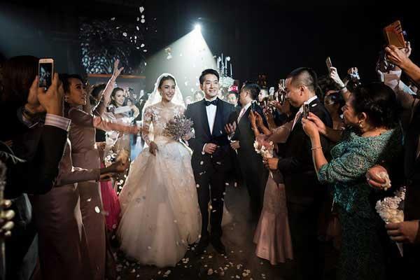 Những lễ cưới lộng lẫy, lung linh và ngập tràn hạnh phúc của sao Thái! ảnh 35