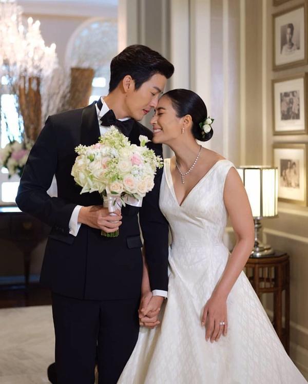 Những lễ cưới lộng lẫy, lung linh và ngập tràn hạnh phúc của sao Thái! ảnh 30