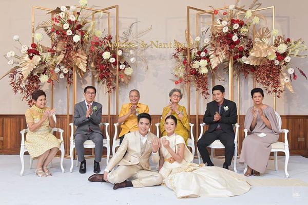 Những lễ cưới lộng lẫy, lung linh và ngập tràn hạnh phúc của sao Thái! ảnh 2