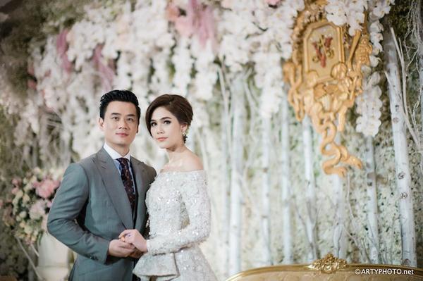 Những lễ cưới lộng lẫy, lung linh và ngập tràn hạnh phúc của sao Thái! ảnh 9