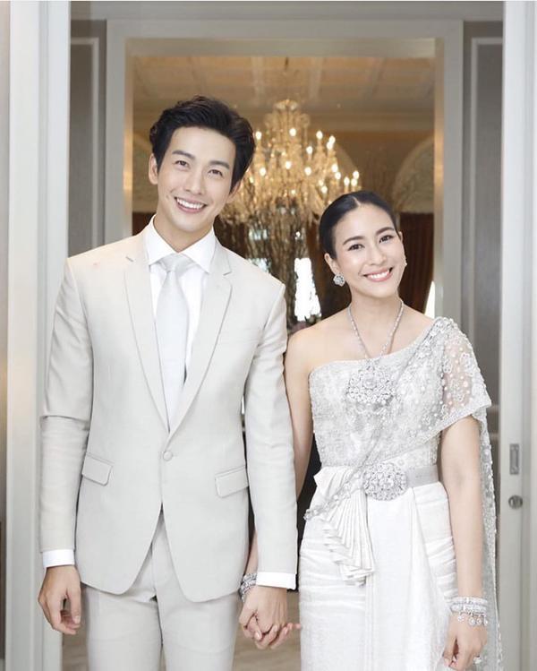 Những lễ cưới lộng lẫy, lung linh và ngập tràn hạnh phúc của sao Thái! ảnh 25