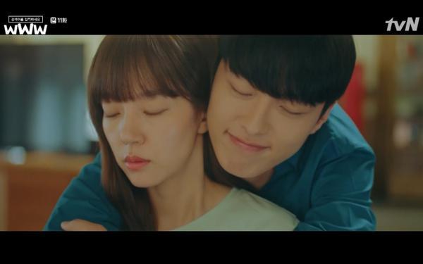 Phim Search: WWW tập 11: Lee Da Hee trở mặt với tiền bối thân thiết để về phe Im Soo Jung ảnh 34