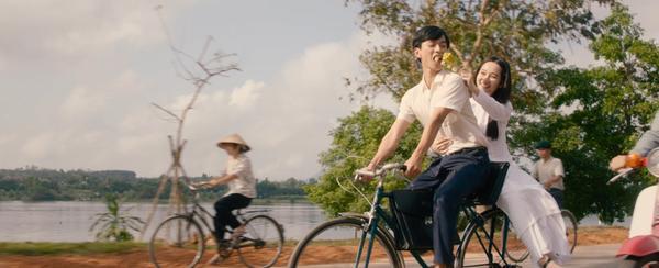 Phim Mắt biếc tung teaser với những thước phim đầu tiên: Nam nữ chính chưa cần thoại, chỉ ánh mắt đã đủ buồn da diết ảnh 9