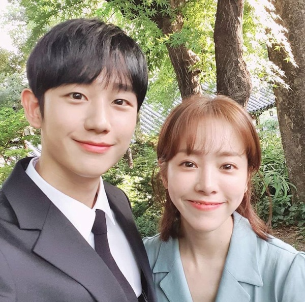 [K-Drama]: Last episode 'One Spring Night': Jung Hae In and Han Ji Min said goodbye and thanks