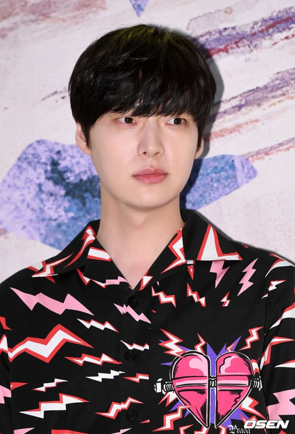 """Gần đây anh tham show truyền hình """"Nhà hàng Kang 2-3"""". Chuẩn bị tái xuất màn ảnh nhỏ qua dự án drama hợp tác cùng Oh Yeon Seo."""
