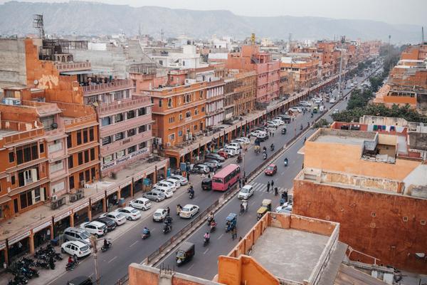 Con đường Johari Bazaar ở trung tâm thành phố Jaipur, nơi được mệnh danh là thủ phủ trang sức của thế giới.