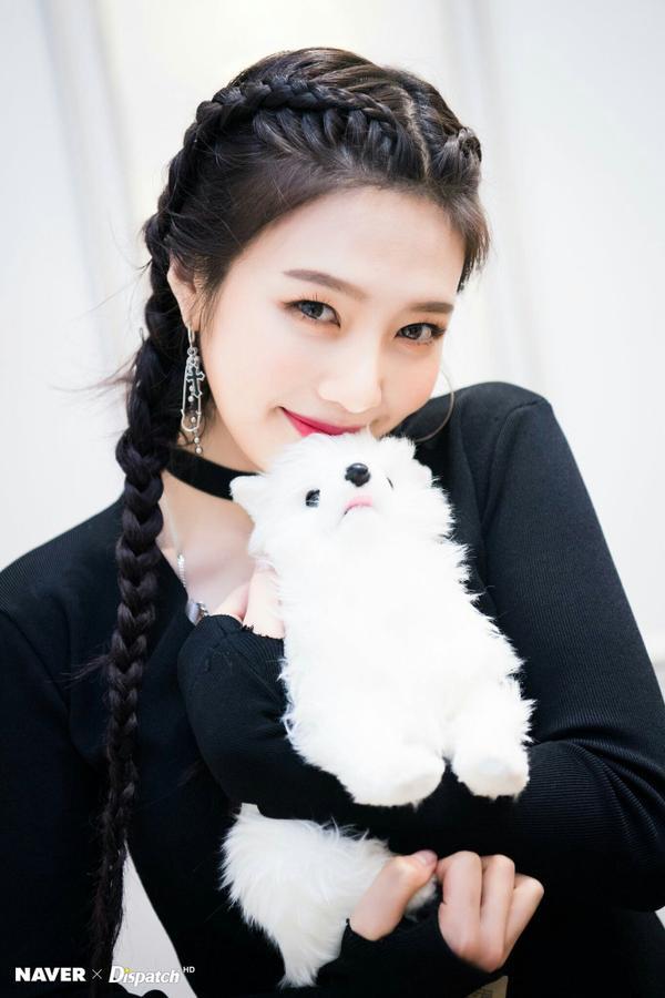 10 idol quyến rũ ngút trời trên sân khấu nhưng lại 'cute hột me' đời thường, thánh lầy phải là Hani (EXID) và HyunA ảnh 2
