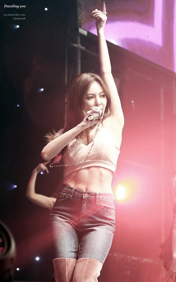 10 idol quyến rũ ngút trời trên sân khấu nhưng lại 'cute hột me' đời thường, thánh lầy phải là Hani (EXID) và HyunA ảnh 20