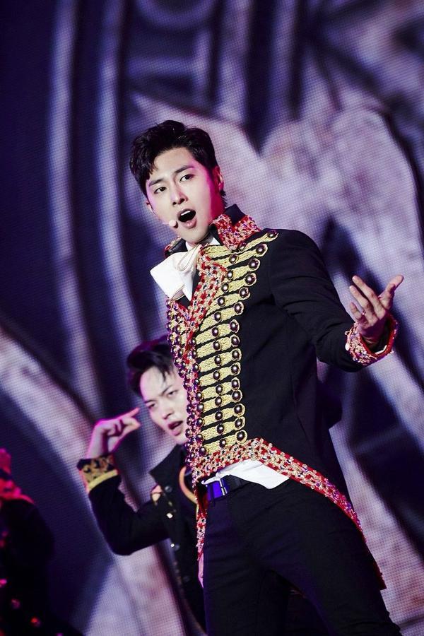10 idol quyến rũ ngút trời trên sân khấu nhưng lại 'cute hột me' đời thường, thánh lầy phải là Hani (EXID) và HyunA ảnh 29