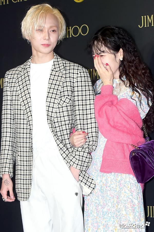10 idol quyến rũ ngút trời trên sân khấu nhưng lại 'cute hột me' đời thường, thánh lầy phải là Hani (EXID) và HyunA ảnh 22