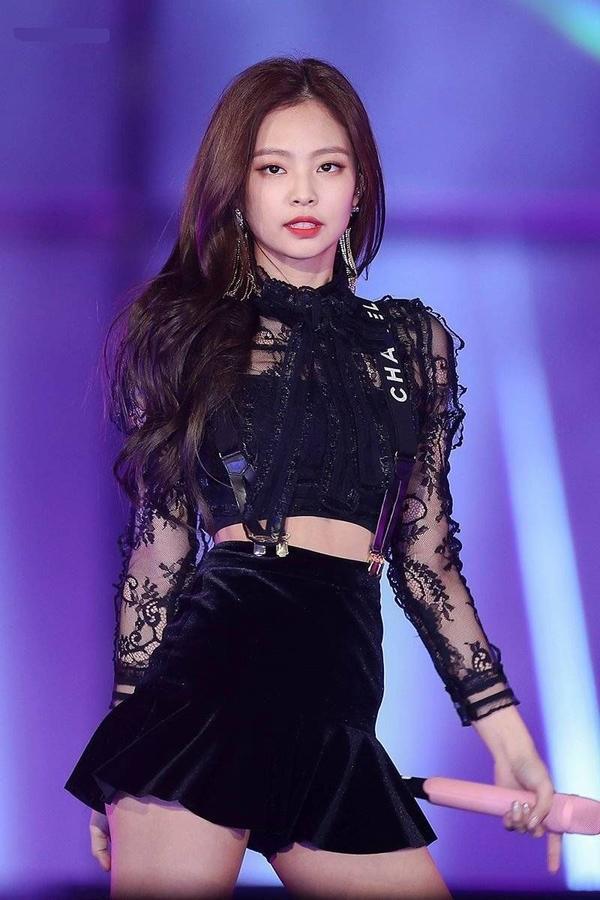 10 idol quyến rũ ngút trời trên sân khấu nhưng lại 'cute hột me' đời thường, thánh lầy phải là Hani (EXID) và HyunA ảnh 16