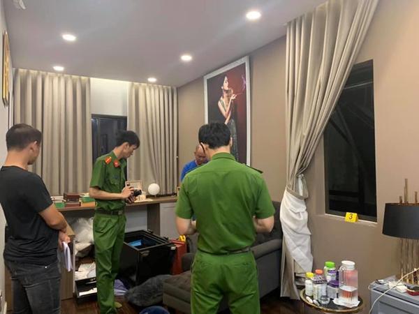 Công an khám nghiệm hiện trường vụ trộm 'viếng thăm' biệt thự của ca sĩ Nhật Kim Anh. (Ảnh: Zing.vn)