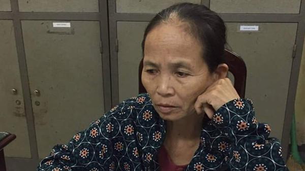 Nữ giáo viên về hưu vận chuyển 15 bánh heroin từ Nghệ An ra Nam Định thì bị công an bắt giữ. (Ảnh: Thanh Niên).