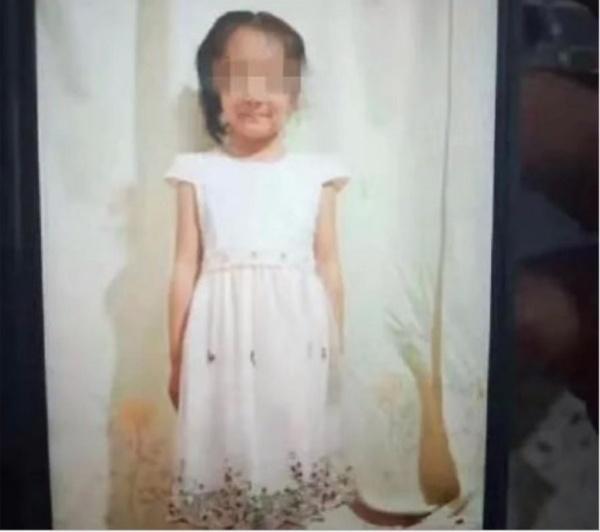 Bé gái 6 tuổi bị anh họ đánh chết (Nguồn ảnh: Oriental Daily)