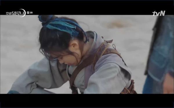 Phim Hotel Del Luna tập 3: IU gặp lại tình đầu sau ngàn năm chờ đợi, chính là Yeo Jin Goo? ảnh 20